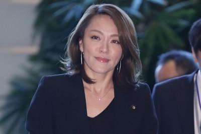 女星當議員搞不倫 獲選內閣大臣後...被爆勾結暴力集團