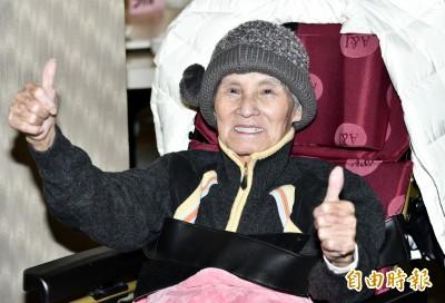 (影音)鼻酸!92歲文夏遭餵毒後露面 一個舉動哭了