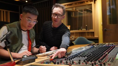 倪重華邀澳洲師資授電子音樂 學子發現自我潛能