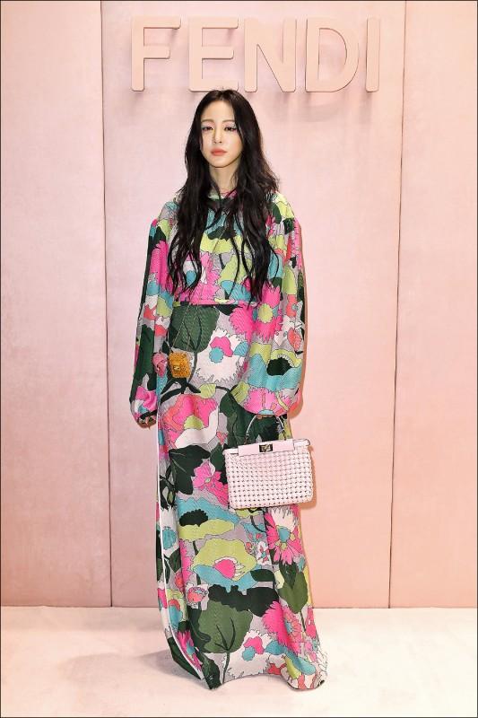 【時尚名人】米蘭時裝週 韓星飆人氣 Max Mara、Prada、Fendi霸氣大女人 Moschino混搭現代感