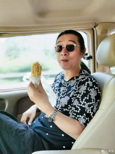 全世界瘋搶超市 黃安譏「凡笑中國的到頭來都哭太晚」