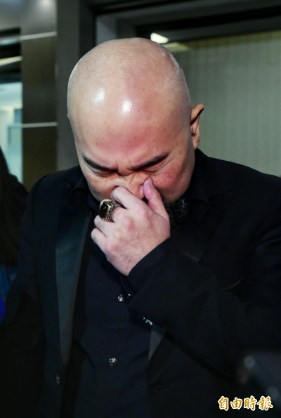 劉真靈堂最後一天 辛龍掩面痛哭難捨愛妻