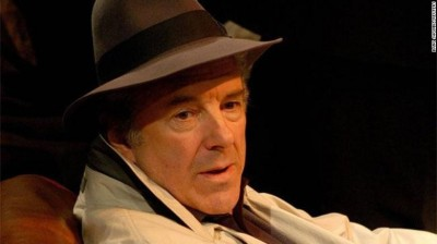 《黑暗騎士:黎明昇起》男星驚傳武漢肺炎病逝 享壽68歲