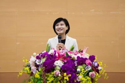 卸任文化部長 鄭麗君:開始媽媽新生活