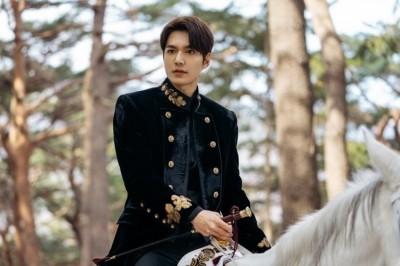 李敏鎬的白馬王子形象 靠這個加持