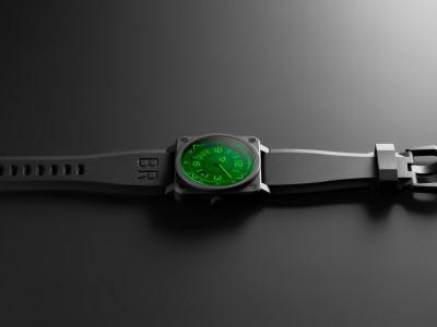 軍錶載入「抬頭顯示」 全球限量999支引熱捧