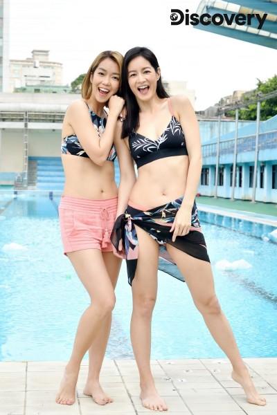 2女神穿泳裝化身美人魚   看到眼前景象...嚇壞了