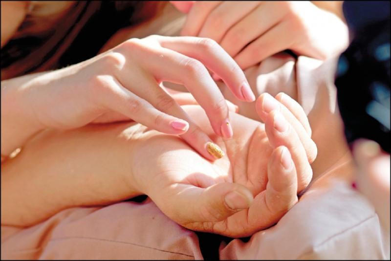 【兩性異言堂】〈愛慾時刻〉舉手投足 撩撥慾望愛火