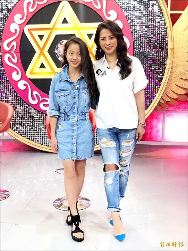 郭靜純12歲長腿女兒 亮麗現身