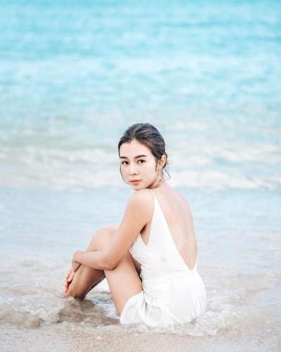 卸冠軍港姐光環…學霸女神當OL 淪打雜小妹