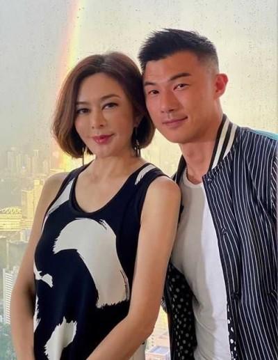 57歲關之琳爆姊弟戀 搭肩靠胸密會壯碩男模