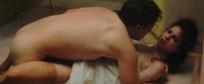 男星全裸性愛越做越有戲!巨鵰彈出獲讚未割的性感