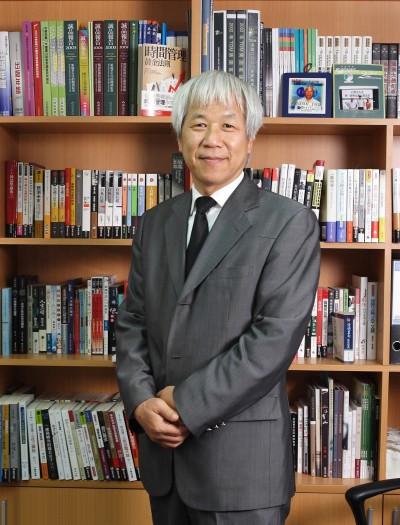 自嘲出版業老兵 城邦董事長何飛鵬獲金鼎獎特別貢獻