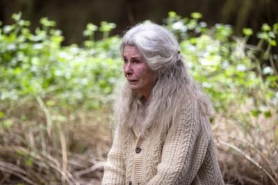 78歲國寶女星患失智症 跪地爬行模樣駭人