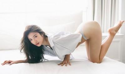 「台大秀智」火辣女醫脫了!白皙巨乳被看光