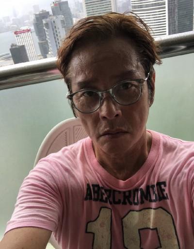 驚!69歲譚詠麟近況曝光 面部凹陷恐藏隱情