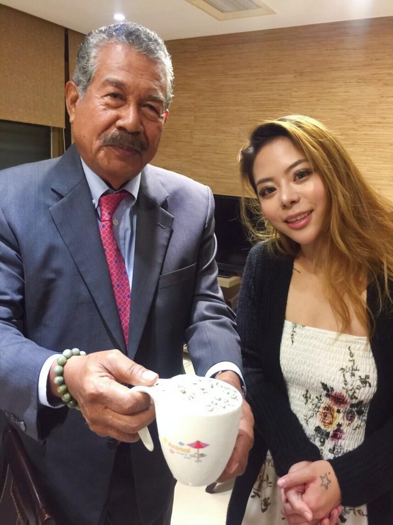 女星紅到帛琉 前總統讚台灣防疫讓人羨慕