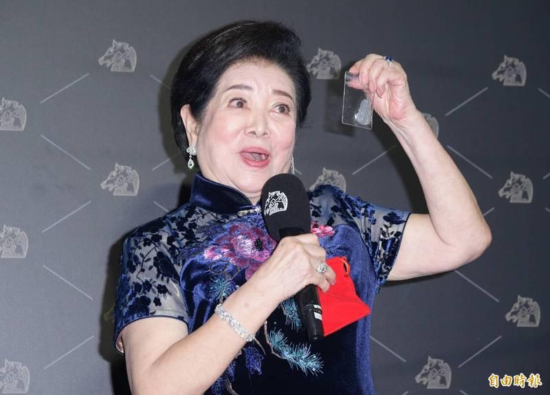 金馬57》81歲陳淑芳破紀錄連奪影后、女配 幸運神物曝光了