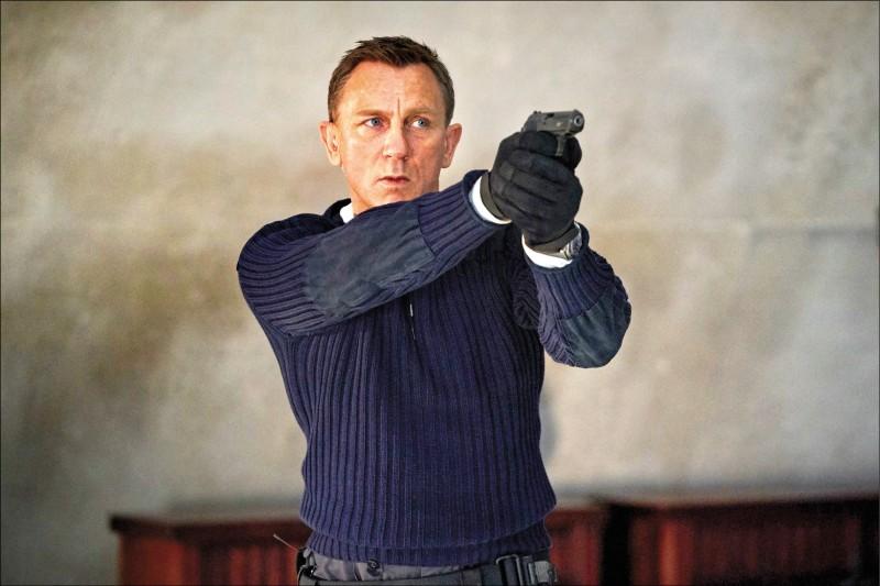 [新聞] 《007生死交戰》延檔到10月 《魔比斯》