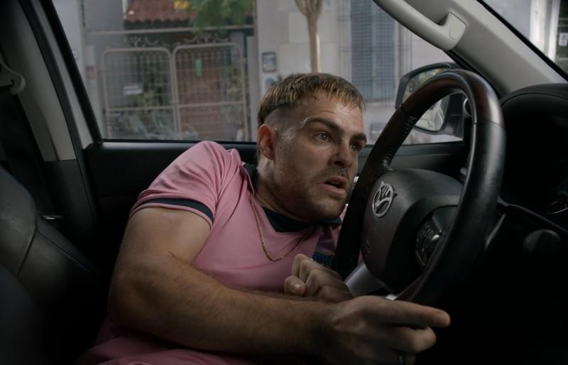 男星一秒偷車有祕方 竟靠「棒球開鎖法」