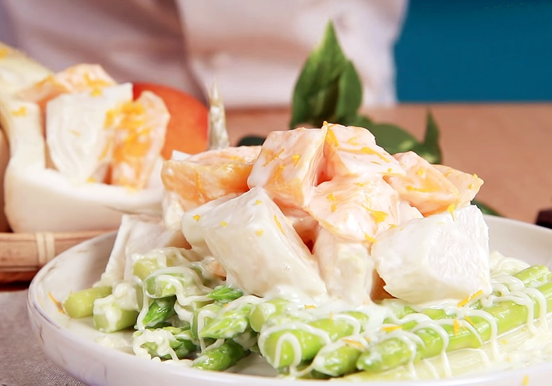 防疫料理輕鬆煮》綠竹筍芒果沙拉   小技巧鎖住鮮甜