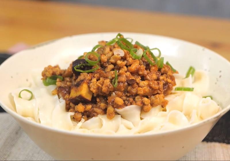 冷熱都好吃!「炸醬麵」絞肉肥瘦比例藏秘訣