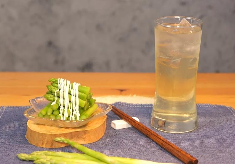削下的蘆筍皮不要丟!簡單煮出古早味「蘆筍汁」