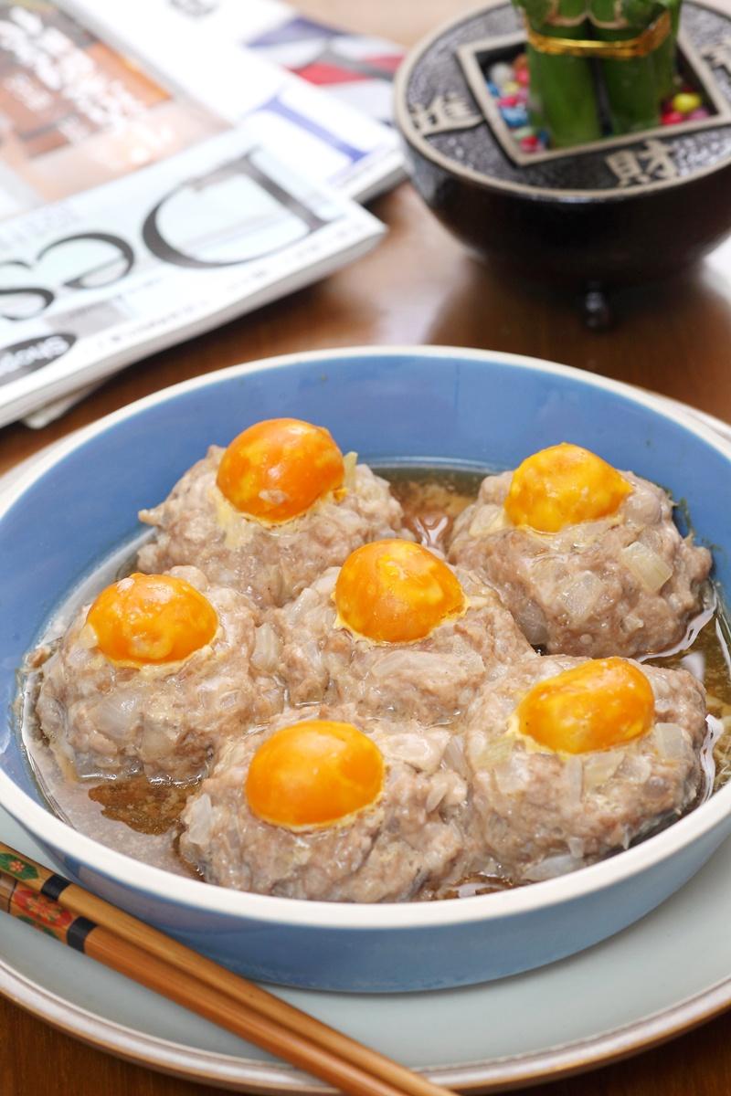 洋蔥鹹蛋丸