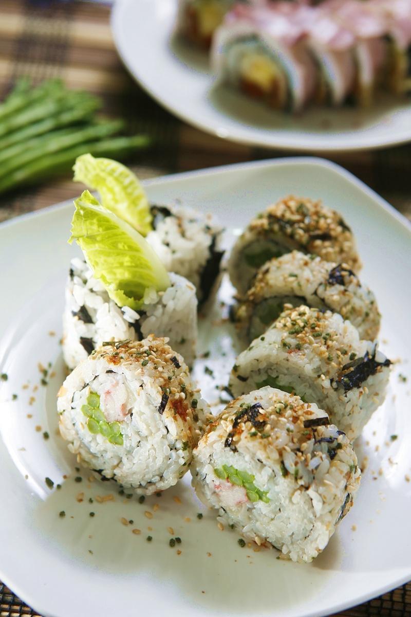 蟹肉蘆筍捲壽司