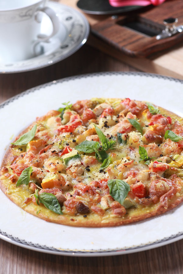 蕈菇蔬菜披薩薄餅