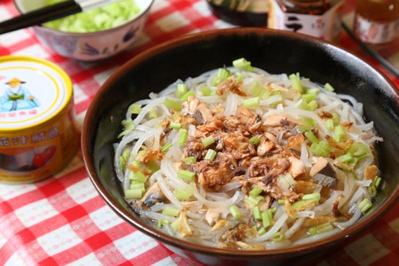 茄汁鯖魚米粉湯