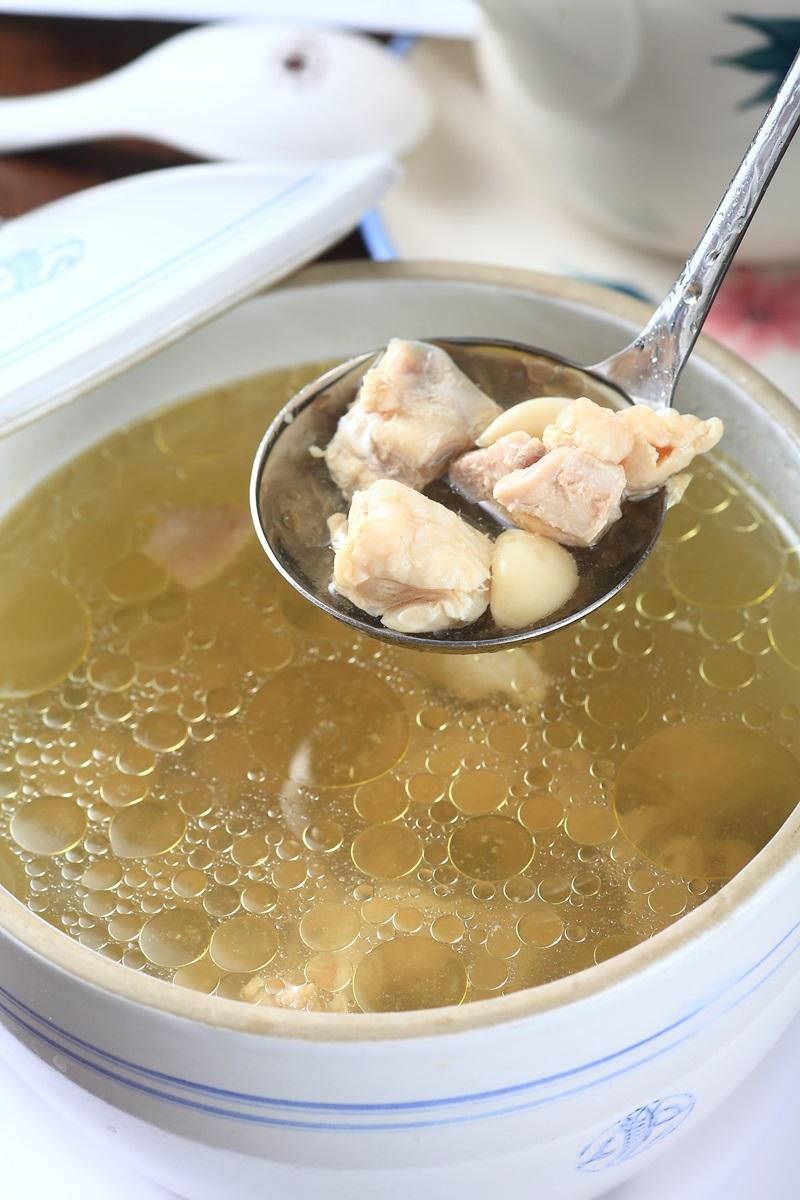 清燉蒜頭雞湯
