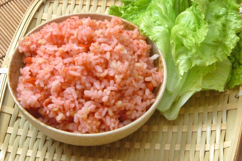 「紅麴枸杞糙米飯」取代白飯!健康養生米食也有粉紅少女心