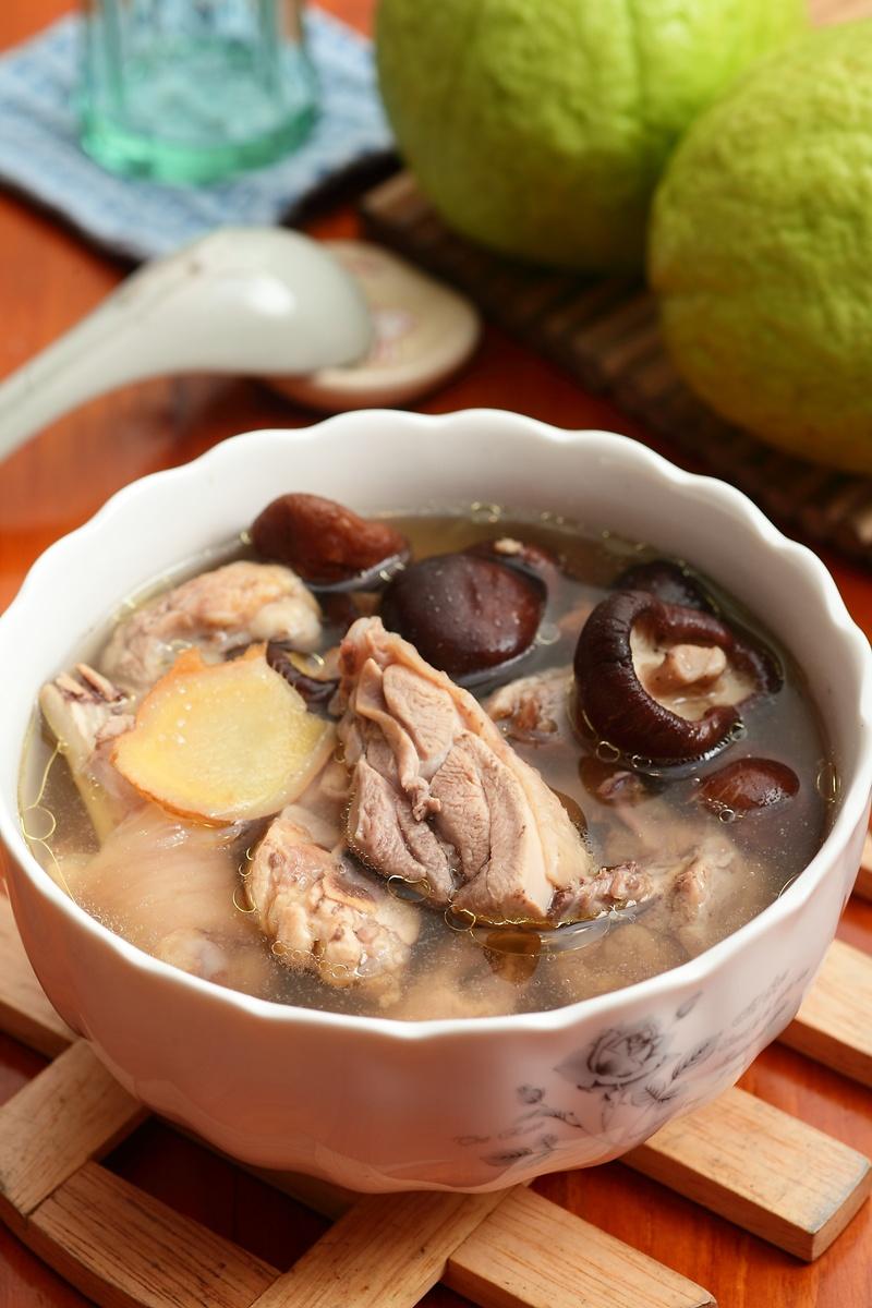 養生抗病電鍋菜 | 香菇雞湯