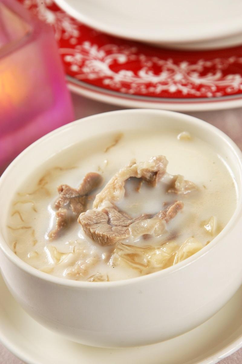 牛奶銀耳煲瘦肉