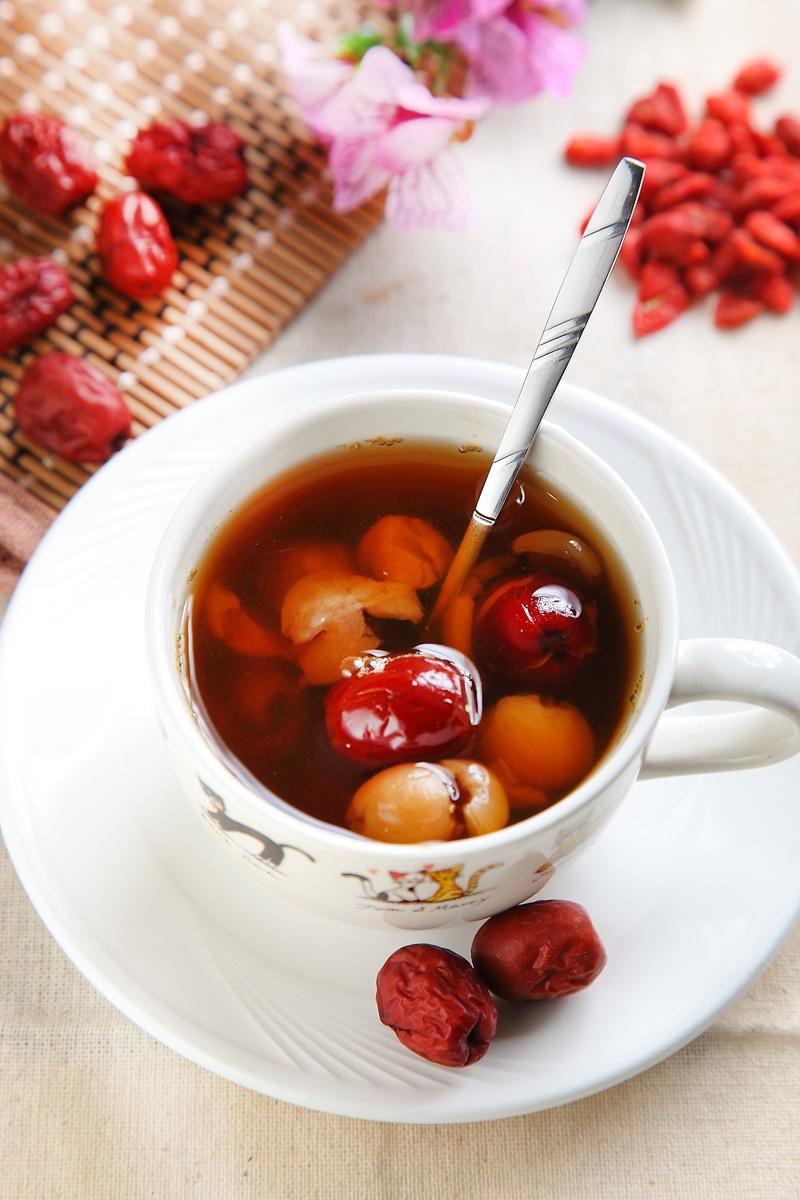 手腳冰冷食補 ▪ 紅棗桂圓茶