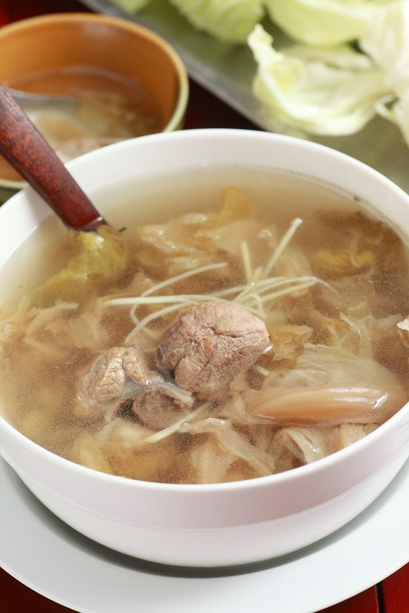 高麗菜乾燉排骨湯