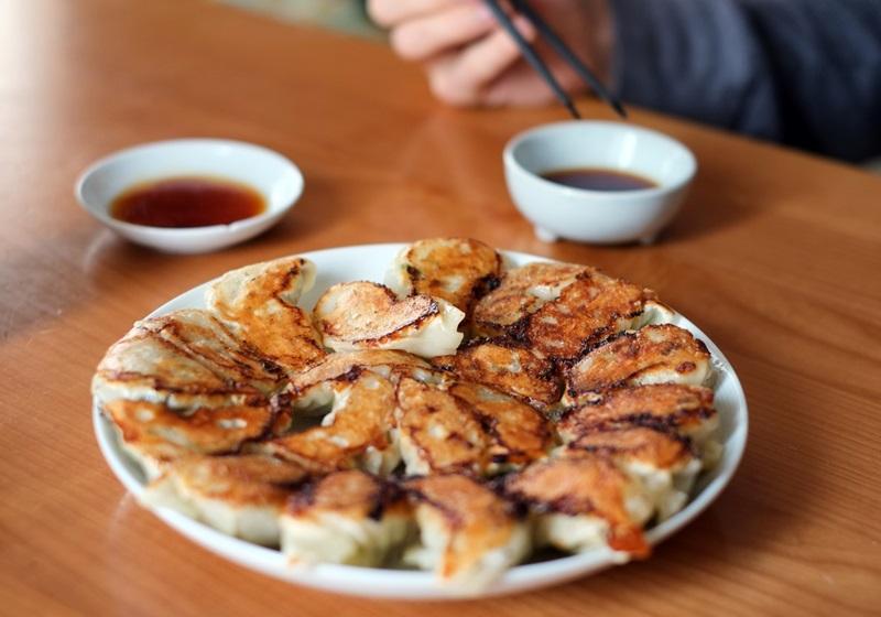 主廚撇步都在這!冷凍水餃怎麼變日式煎餃? - 食譜自由配- 自由電子報
