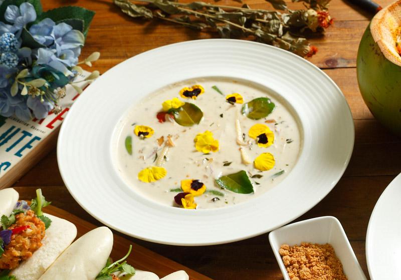 傳統椰香煲湯