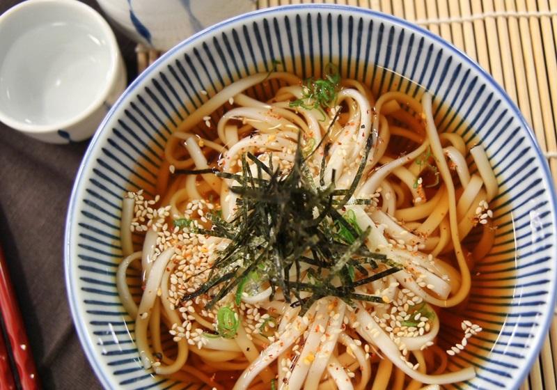 防疫輕鬆煮》日式烏龍冷麵全靠「秘製高湯醬汁」炎夏吃最清爽