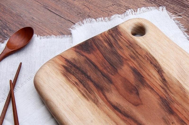 木鏟、木筷、木砧板不怕發霉!木製餐廚具清潔保養 6 重點