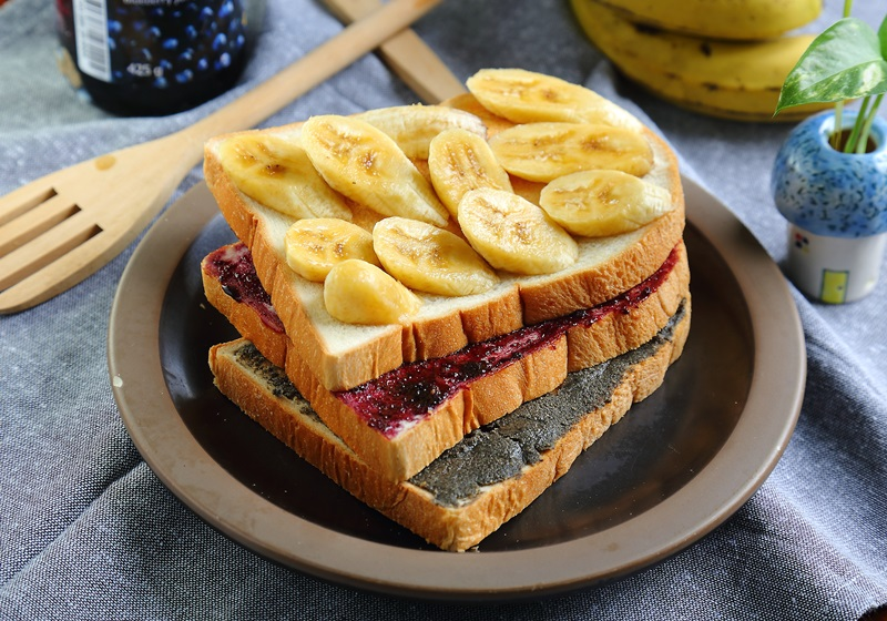 香蕉果醬厚吐司