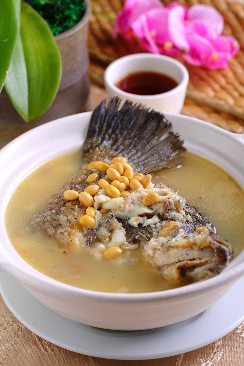 黃豆煲鱸魚