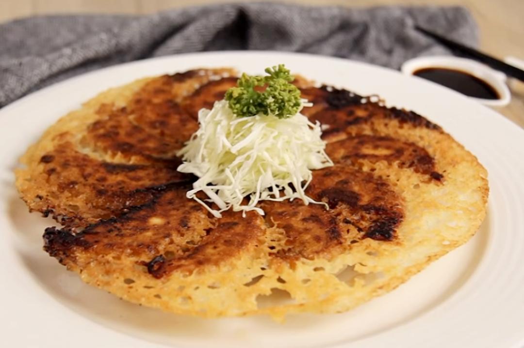 「冰花煎餃」現包現煎最好吃!如餅乾般的脆皮麵粉水這樣調