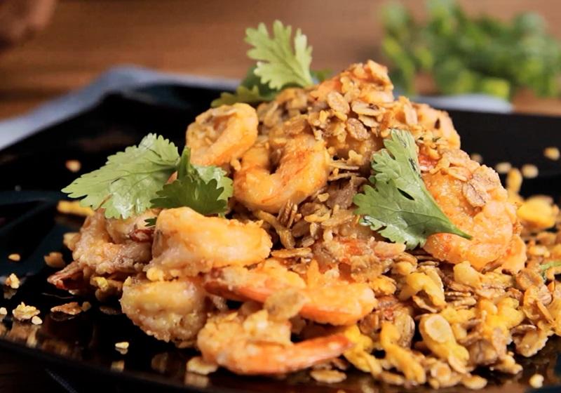 新加坡名菜 | 免油炸麥片蝦 (影片)