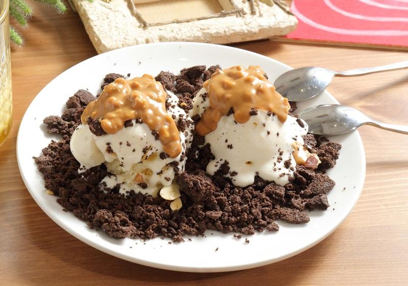 巧克力脆片花生冰淇淋
