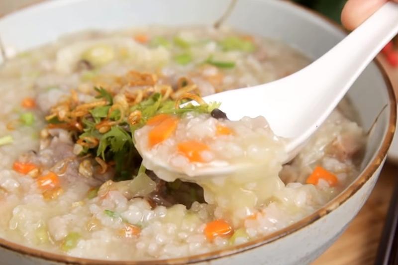 台式鹹粥 | 生米煮出完美濃稠度!高麗菜+芋頭好料大滿足