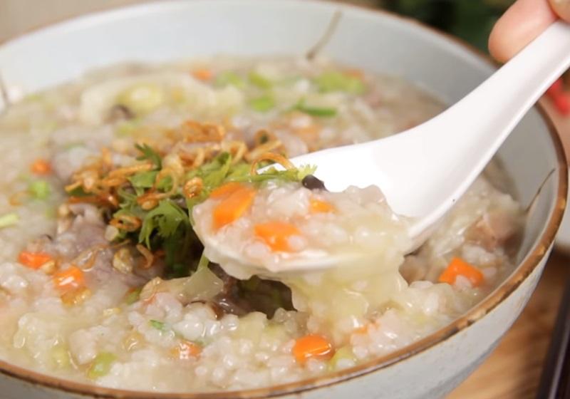 台式鹹粥   生米煮出完美濃稠度!高麗菜+芋頭好料大滿足