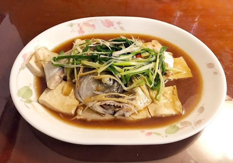清蒸魚頭豆腐