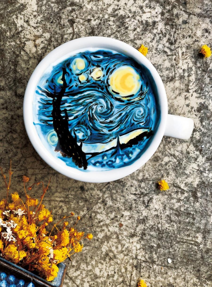 新手也能學會的咖啡拉花 | 梵谷〈星夜〉